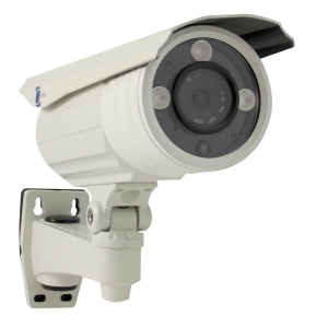 Camara tipo bazuca, Sensor HD digital 1/3, 800TVL, 3 LEDs Array, IP66